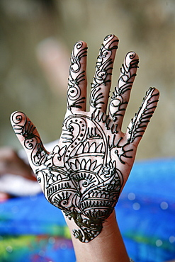 Henna tattoo on woman's hands, Dakshin Kali, Nepal, Asia