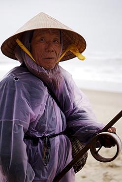 Fisherman, China Beach, Danang, Vietnam, Indochina, Southeast Asia, Asia