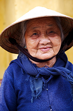 Old lady, Tam Ky, Vietnam, Indochina, Southeast Asia, Asia