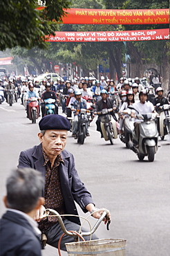 Crowded street scene of mopeds, Hanoi, Vietnam, Indochina, Southeast Asia, Asia