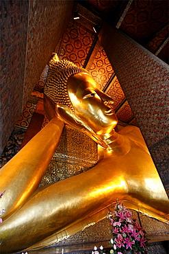 The Great Buddha of Wat Pho, Bangkok, Thailand, Southeast Asia, Asia