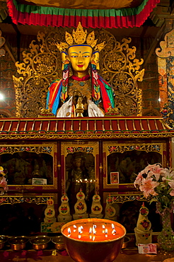 Buddha inside the Kumbum, literally one hundred thousand images, of the Palcho Monastery, the largest chorten in Tibet, Gyantse, Tibet, China, Asia