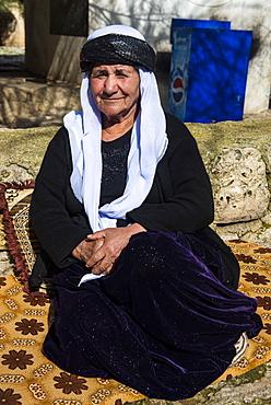 Yazidi woman in Lalish capital of the Kurdish sect of the Yazidis in Iraq Kurdistan, Iraq, Middle East