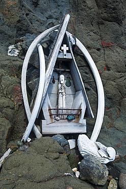 Little Christian statue as a memorial in the rock, Henryk Arctowski Polish Antarctic Station, King George Island, South Shetland Islands, Antarctica, Polar Regions