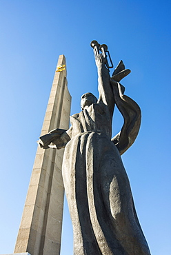 Hero Statue on the Hero City Obelisk, Pieramohi Park, Minsk, Belarus, Europe