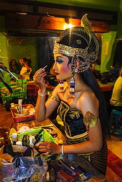 Female dancer preparing for a traditional Javanese dance, Yogyakarta, Java, Indonesia, Southeast Asia, Asia