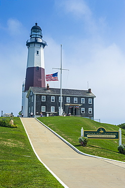 Montauk Point Lighthouse, Montauk Point State Park, the Hamptons, Long Island, New York State, United States of America, North America