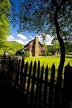 Oconaluftee Pioneer Homestead, Spring, Great Smoky Mountains National Park, North Carolina, USA