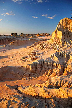 Walls of China Formations, Mungo National Park, Outback New South Wales, Australia