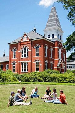 Alabama, Auburn, Auburn University, Samford Park, Hargis Hall, male, female, student, group, outdoor class, campus, higher education, tradition, academia, Southeastern Conference, red bricks,