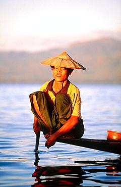 Intha fisherman on Inle Lake, Shan State, Myanmar