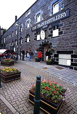 Whisky distillery, Main Street, Oban, Shetland Islands, Scotland