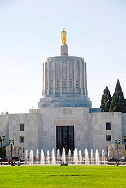 Capitol Building Grounds Salem Oregon OR US United States government legislature legislative law legal architects Trowbridge and Livingston art-deco design capitol mall water fountain