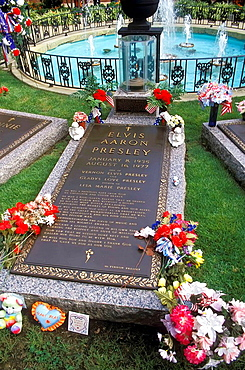 Burial Place of Elvis Presley at his Graceland Home Memphis Tennessee US