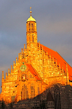 Setting sun on Frauenkirche (Our Ladys Church), Nuremberg, Bavaria, Germany