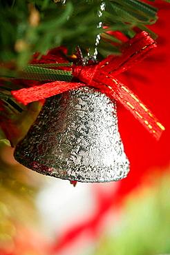 Xtmas, Christmas presents macro photo: glitter silver bell