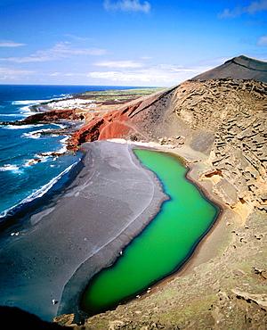 'El Golfo' green Lagoon, Volcanic beaches, Parque Nacional de Timanfaya, Lanzarote, Canary Islands, Spain