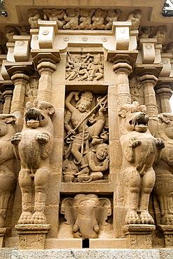 Anthakasura Vatha sculpture(Siva) in  Kailasanatha temple in Kanchipuram near Chennai, Tamil Nadu, India, The temple was built by Pallava King Narasimhavarman II (Rajasimhan) and his son Mahendra in the early 8th century CE (constructed using sandsto