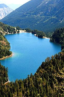 Sant Maurici Lake, Aiguestortes i Estany de Sant Maurici National Park, Lleida province, Catalonia, Spain