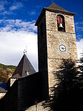 Torre de la Iglesia de Santa Maria en Benasque _ Huesca _ Pirineo Aragones