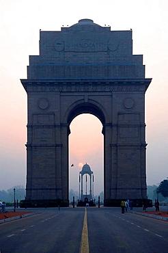 Amar Jawan Jyoti, India Gate at the sunrise, Delhi, India Amar Jawan Jyoti, Porte de l'Inde au lever de soleil, Delhi, Inde Amar Jawan Jyoti, India Gate bei Sonnenaufgang, Delhi, Indien