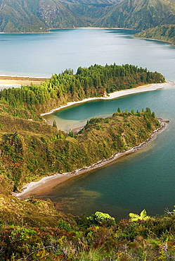 Lagoa do Fogo (fire lake), Sao Miguel island, The Azores.
