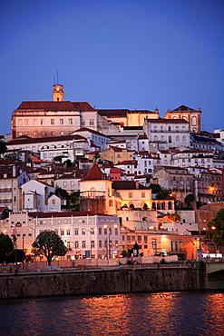 Portugal, Beira Litoral, Coimbra, skyline, general view, Mondego river