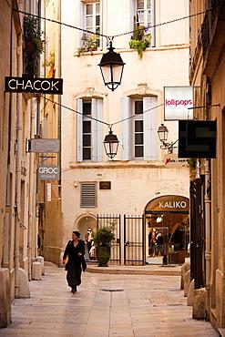 France, Languedoc-Roussillon, Herault Department, Montpellier, rue de lAncien Courrier, designer boutique street