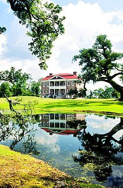 Drayton Hall plantation mansion house on the Ashley River near Charleston, South Carolina, USA