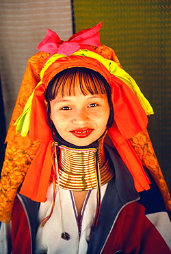 Thailand, Mae Hong Son, Nai Soi, Padaung tribeswoman,
