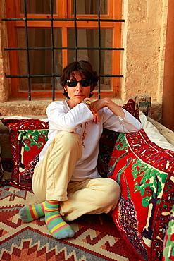 Turkey, Mardin, tourist at Antik Tatlidede hotel,