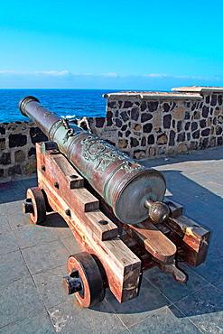 Old cannon, Puerto de la Cruz, Tenerife, Canary Islands, Spain