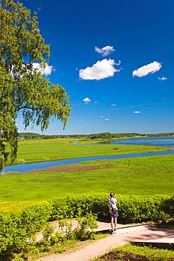 Russia, Pskovskaya Oblast, Pushkinskie Gory, landcape at Mikhailovskoye, the Alexander Pushkin Preserve, estate of famous Russian poet