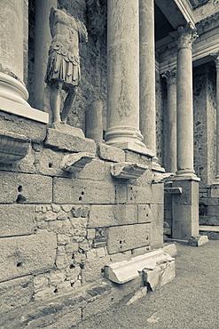 Spain, Extremadura Region, Badajoz Province, Merida, ruins of the Teatro Romano, Roman Theater, 24 BC, Roman-era statues
