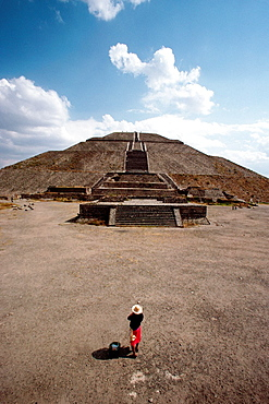 Mexico, Teotihuacan  Pyramid of the Sun