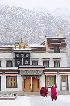 China, Gansu, Amdo, Xiahe, Monastery of Labrang Labuleng Si under the snow