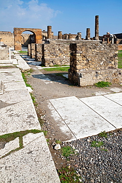 Ruins in Pompeya Italy