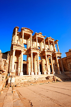 The library of Celsus Images of the Roman ruins of Ephasus, Turkey