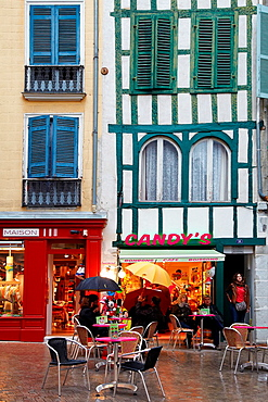 Argenterie street, Bayonne, Aquitaine, Pyrenees Atlantiques, France.