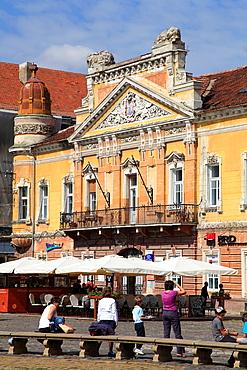 Romania, Timisoara, Piata Unirii, cafe, people,