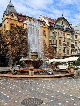 Romania, Timisoara, Piata Victoriei, fountain,
