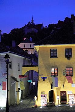 Romania, Sighisoara, old town, street scene, night,