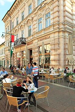 Hungary, Szeged, Klauzal Square, cafe, people,