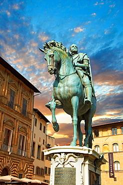 The ¥bronze equestrian statue of Cosimo I¥ by Giambologna 1594, Piazza della Signoria in Florence, Italy,