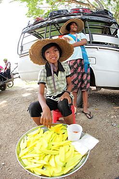 Pa-O girl selling fruit at Local Markett, Inle Lake, Shan State, Myanma