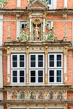 Detail of the Leisthaus in Hamelin on the German Fairy Tale Route, Lower Saxony, Germany, Europe