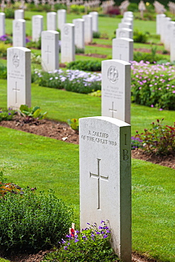 France, Picardy Region, Somme Department, Somme Battlefields, Thiepval, Memorial to World War One British troops, Allied cemetery, grave of unknown soldier