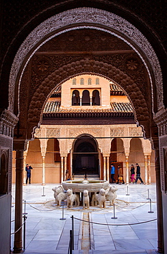 Courtyard of the lions Palace of the Lions Nazaries palaces Alhambra, Granada Andalusia, Spain