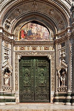 Portal of the Cathedral Duomo Santa Maria del Fiore, square Piazza del Duomo, Florence, Tuscany, Central Italy, Italy, Europe
