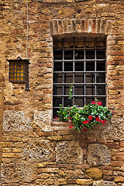 Typical house in San Gimignano, Tuscany, Central Italy, Italy, Europe